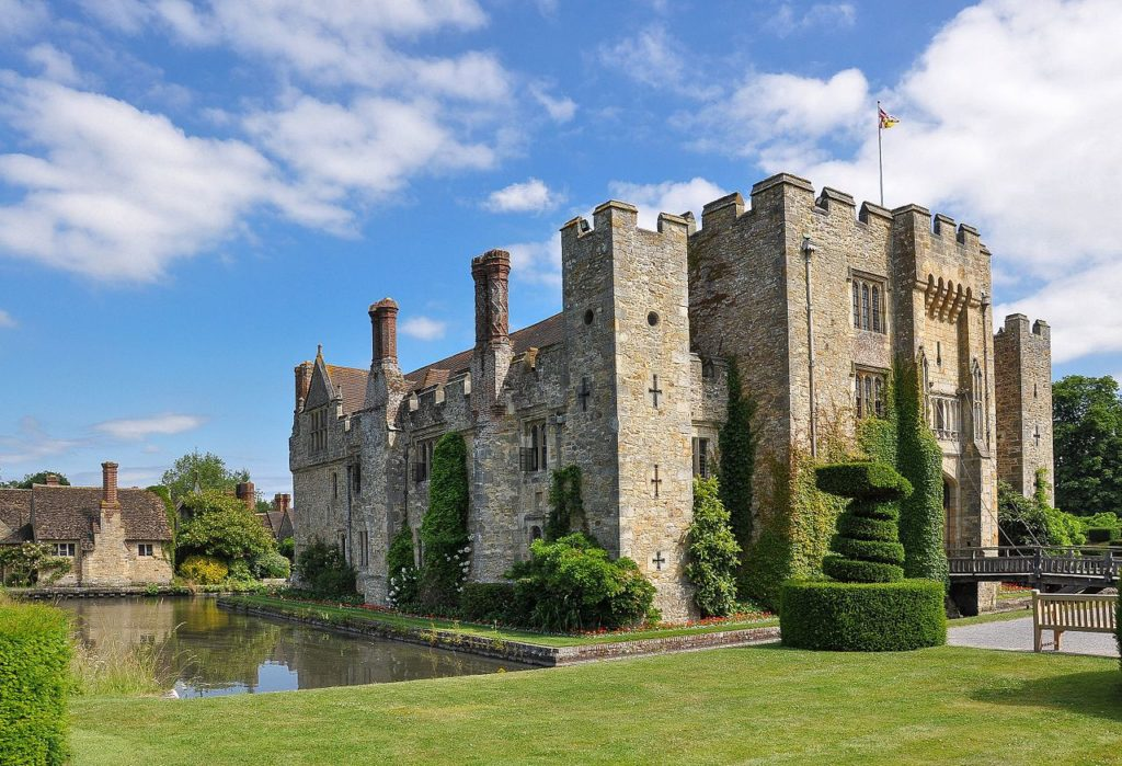 The spectacular Hever Castle Wedding Venue in Kent